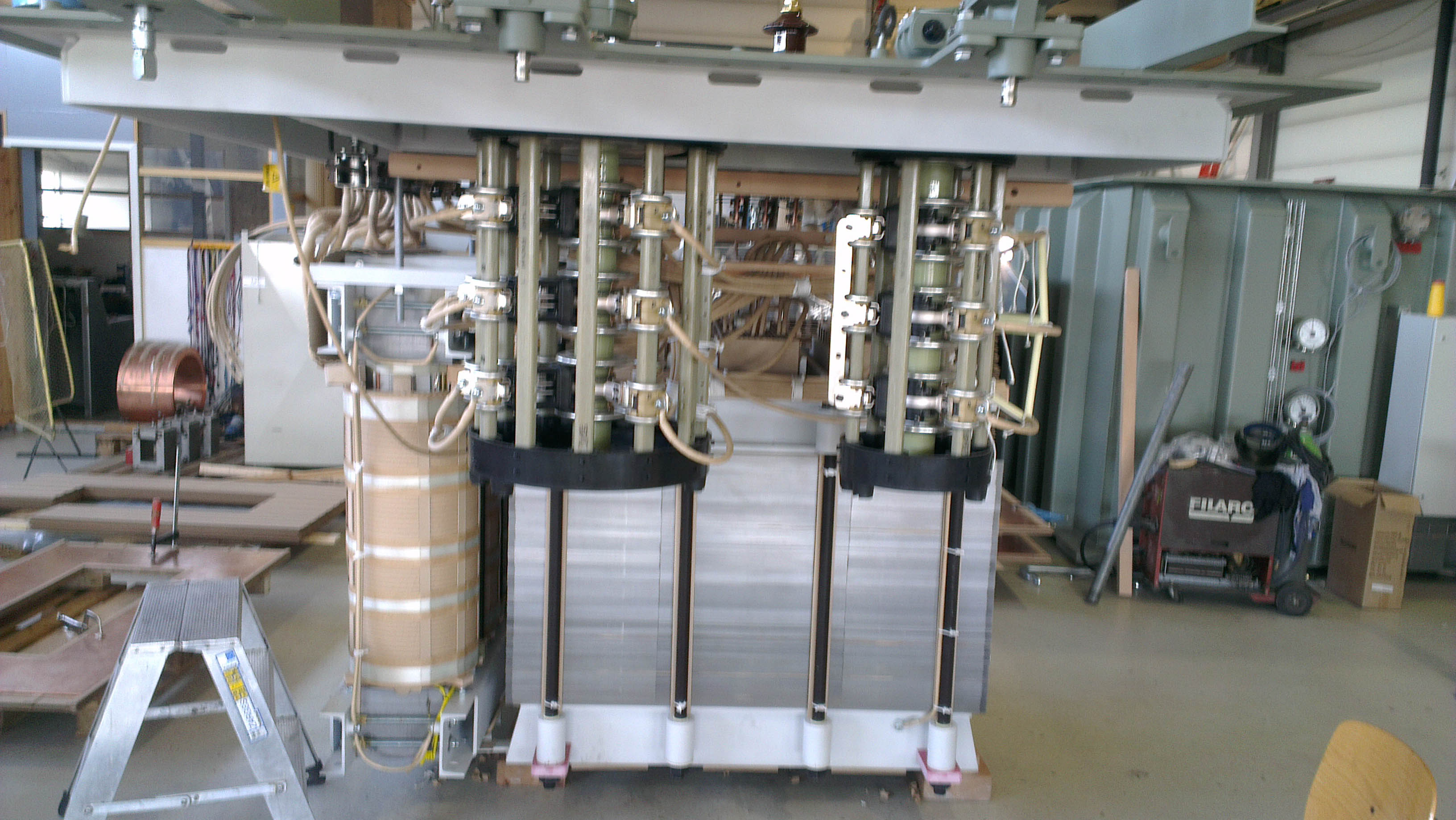 Furnace transformer with serie reactor build in